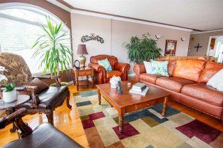 Photo 3: 2954 SULLIVAN Crescent in Prince George: Charella/Starlane House for sale (PG City South (Zone 74))  : MLS®# R2471769
