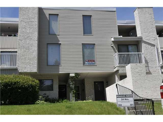Main Photo: 2407 3500 VARSITY Drive NW in CALGARY: Varsity Acres Townhouse for sale (Calgary)  : MLS®# C3622929