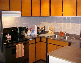 """Photo 3: 4 306 HIGHLAND WY in Port Moody: North Shore Pt Moody Townhouse for sale in """"HIGHLAND PARK"""" : MLS®# V571371"""
