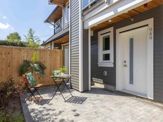 Photo 3: 949 E 20TH AVENUE in Vancouver: Fraser VE Townhouse for sale (Vancouver East)  : MLS®# R2288935