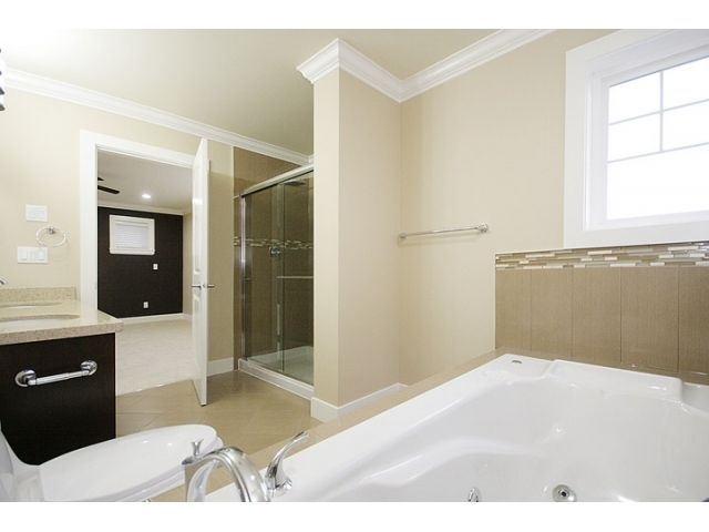 Photo 6: Photos: 21135 77a Ave in Langley: Willoughby Heights House for sale : MLS®# F1202293