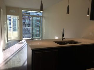 """Photo 8: 509 38 W 1ST Avenue in Vancouver: False Creek Condo for sale in """"THE ONE"""" (Vancouver West)  : MLS®# R2338858"""
