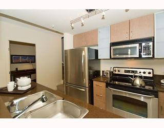 """Photo 4: 338 SMITHE Street in Vancouver: Downtown VW Townhouse for sale in """"YALETOWN PARK II"""" (Vancouver West)  : MLS®# V646253"""