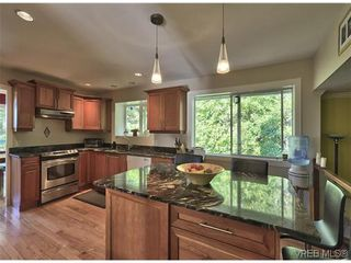 Photo 5: 916 Columbus Place in VICTORIA: La Walfred Residential for sale (Langford)  : MLS®# 315052