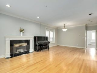 """Photo 2: 8033 HUDSON Street in Vancouver: Marpole House for sale in """"MARPOLE"""" (Vancouver West)  : MLS®# R2586835"""