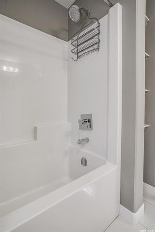Photo 12: 518 Dagnone Crescent in Saskatoon: Brighton Residential for sale : MLS®# SK867635