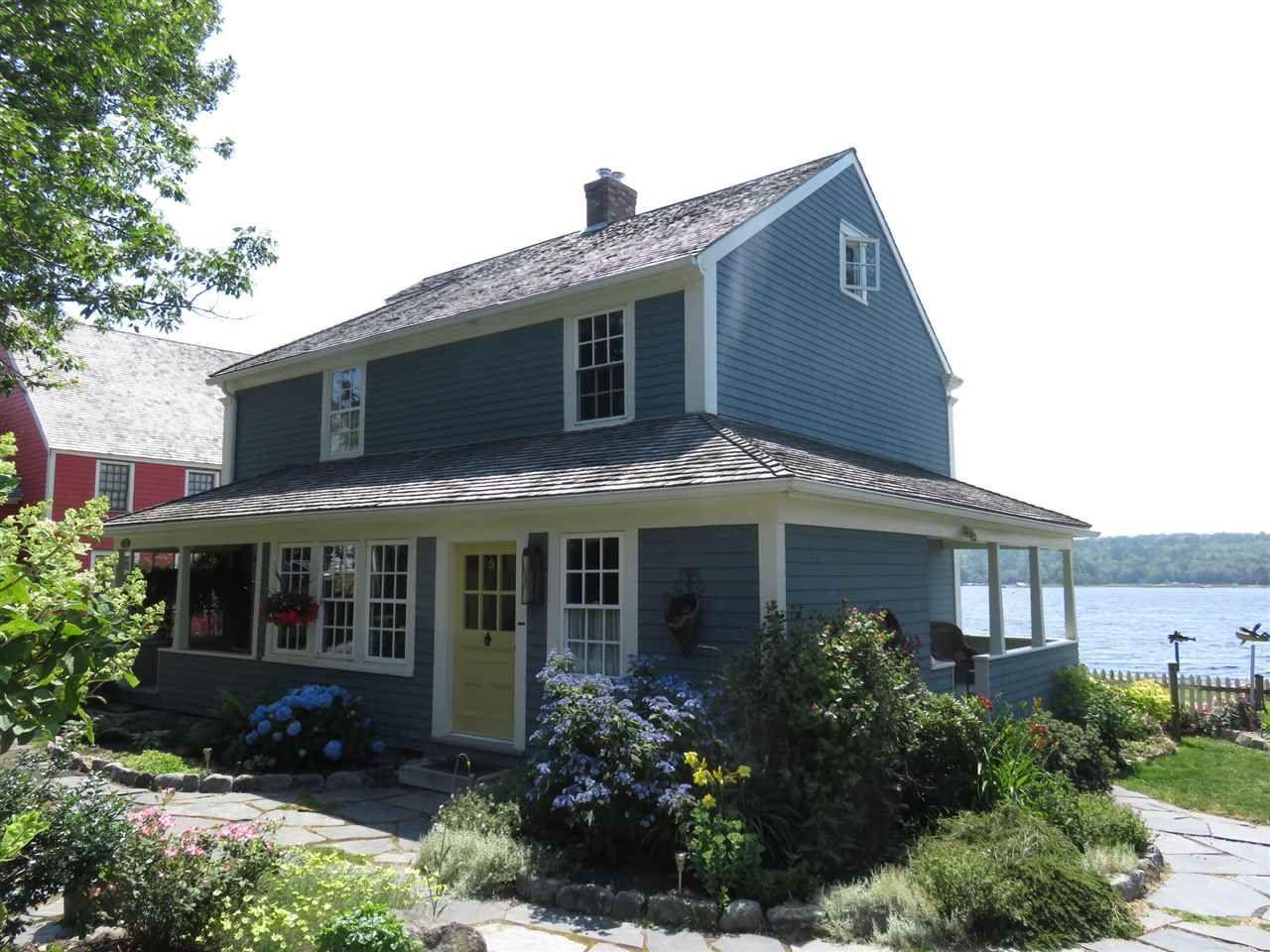Main Photo: 10 Charlotte Lane in Shelburne: 407-Shelburne County Residential for sale (South Shore)  : MLS®# 201918725