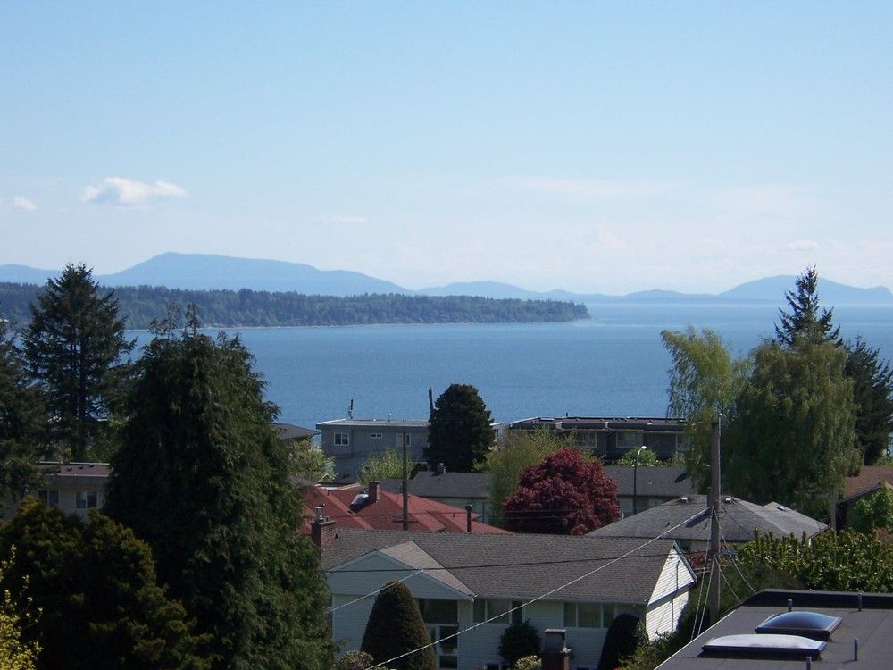 Main Photo: 1178 Dolphin Street: White Rock Home for sale ()  : MLS®# F1111485
