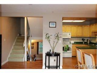 Photo 7: 35 610 McKenzie Ave in VICTORIA: SW Glanford Row/Townhouse for sale (Saanich West)  : MLS®# 531206