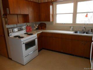 Photo 5: 751 Beaverbrook Street in WINNIPEG: River Heights / Tuxedo / Linden Woods Residential for sale (South Winnipeg)  : MLS®# 1409343