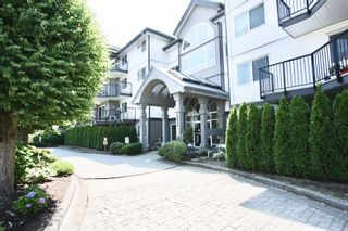 Photo 3: 306 32044 Old Yale Road in Abbotsford: Abbotsford West Condo for sale