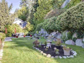 """Photo 20: 408 CROSSCREEK Road: Lions Bay Townhouse for sale in """"The Cedars"""" (West Vancouver)  : MLS®# R2514605"""