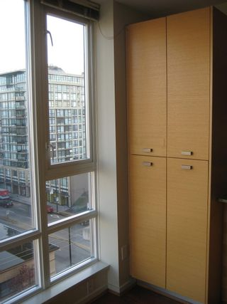 """Photo 7: 803 2483 SPRUCE Street in Vancouver: Fairview VW Condo for sale in """"SKYLINE ON BROADWAY"""" (Vancouver West)  : MLS®# V797426"""
