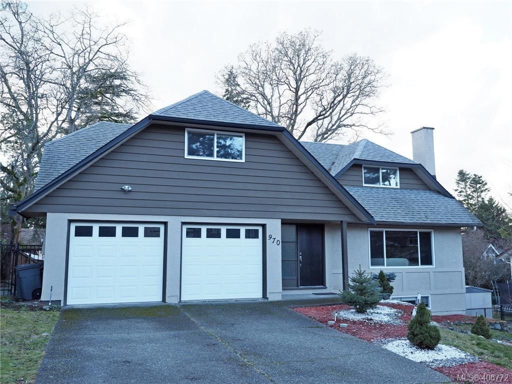 Main Photo: 970 Landeen Pl in VICTORIA: SE Quadra House for sale (Saanich East)  : MLS®# 808405