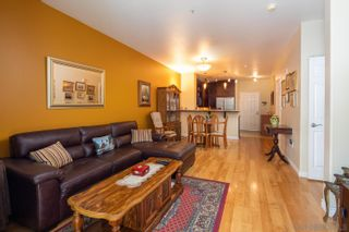 Photo 7: Condo for sale : 2 bedrooms : 1601 India #115 in San Diego