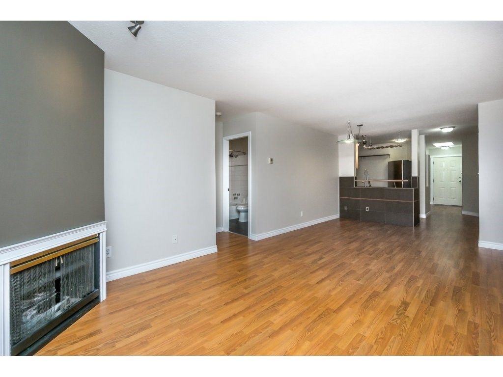"""Photo 10: Photos: 302 33839 MARSHALL Road in Abbotsford: Central Abbotsford Condo for sale in """"Cityscape"""" : MLS®# R2106369"""