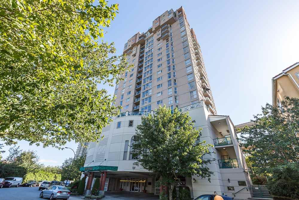 "Main Photo: 1605 10 LAGUNA Court in New Westminster: Quay Condo for sale in ""LAGUNA COURT"" : MLS®# R2155689"