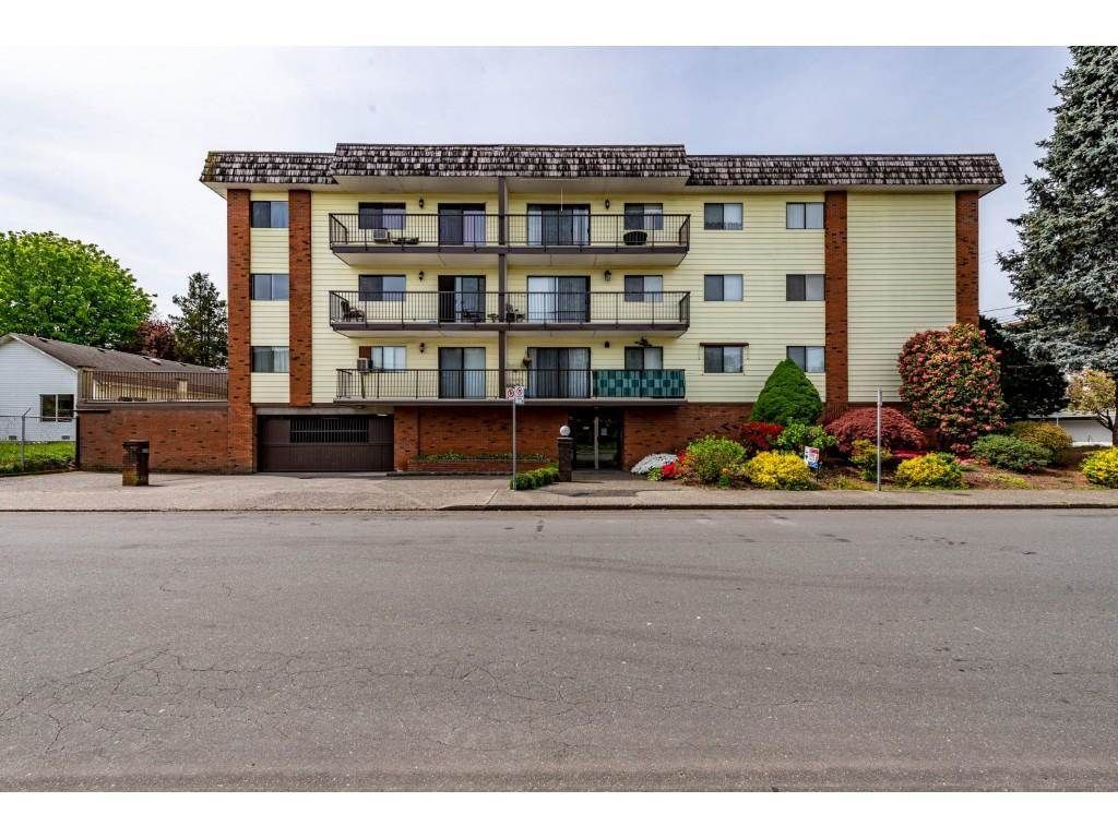 """Main Photo: 105 9417 NOWELL Street in Chilliwack: Chilliwack N Yale-Well Condo for sale in """"THE AMBASSADOR"""" : MLS®# R2575032"""
