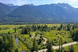 Photo 20: 2162 HIGHWAY 99 in Pemberton: Mount Currie House for sale : MLS®# R2614470