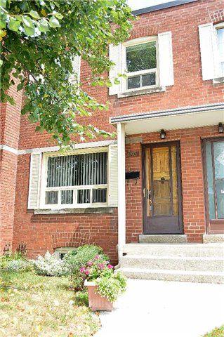 Photo 1: 1193 Warden Avenue in Toronto: Wexford-Maryvale Condo for sale (Toronto E04)  : MLS®# E3581271
