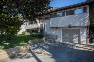 Photo 1: 38226 CHESTNUT Avenue in Squamish: Valleycliffe House for sale : MLS®# R2193176