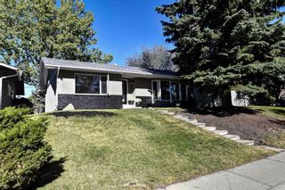 Photo 1: 219 PARKWOOD Close SE in Calgary: Parkland Detached for sale : MLS®# A1032566