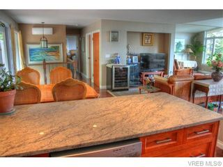 Photo 5: 5036 Sunrise Terr in VICTORIA: SE Cordova Bay House for sale (Saanich East)  : MLS®# 743056