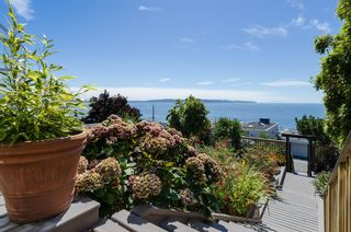 Photo 3: White Rock Ocean View Home listed with Joanne Taylor White Rock South Surrey Realtor