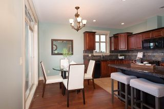 """Photo 9: 402 46021 SECOND Avenue in Chilliwack: Chilliwack E Young-Yale Condo for sale in """"THE CHARLESTON"""" : MLS®# R2406123"""