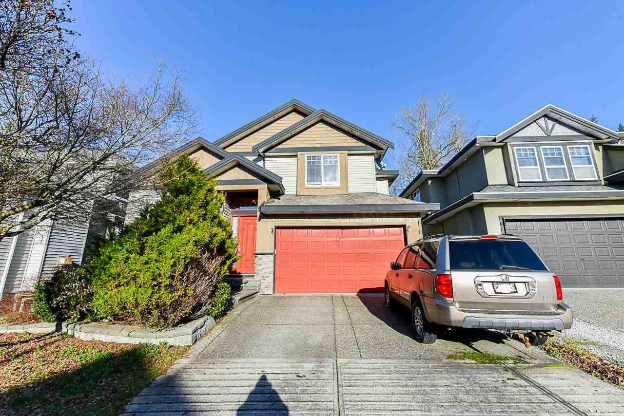 Main Photo: 17189 65 Avenue in Surrey: Cloverdale BC House for sale (Cloverdale)  : MLS®# R2526408