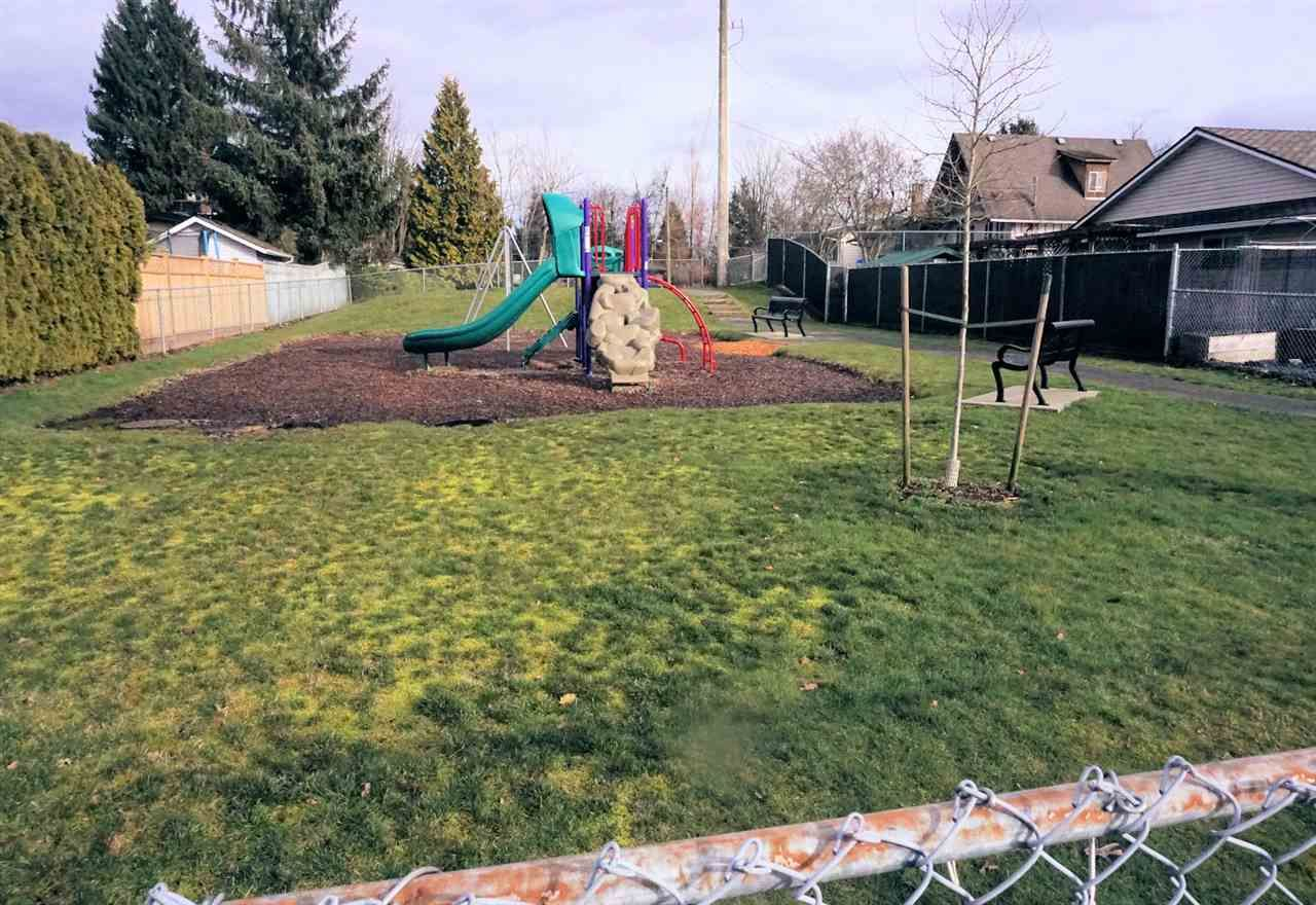 """Photo 20: Photos: 2501 GROSVENOR Place in Abbotsford: Central Abbotsford House for sale in """"Grosvenor Place"""" : MLS®# R2439203"""