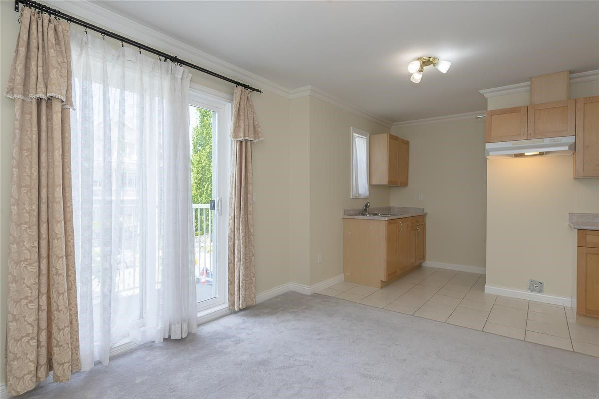 Photo 10: Photos: 3178 GILMORE Avenue in Burnaby: Central BN 1/2 Duplex for sale (Burnaby North)  : MLS®# R2474693