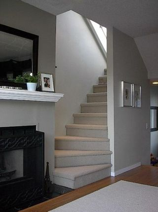 Photo 40: GORGEOUS TOWNHOUSE IN FAIRVIEW!