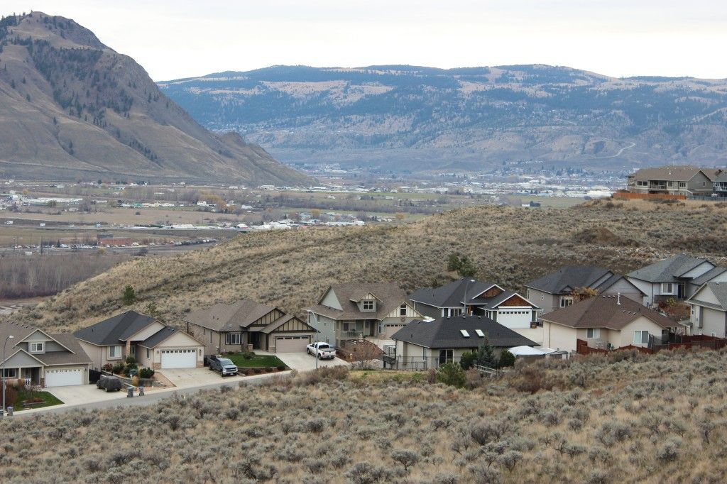 Photo 11: Photos: 2054 Saddleback Drive in Kamloops: Batchelor Heights House for sale : MLS®# 137815