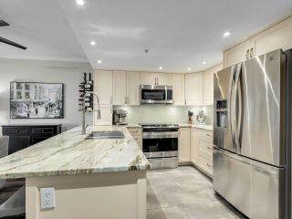 """Photo 11: 201 2665 W BROADWAY in Vancouver: Kitsilano Condo for sale in """"MAGUIRE BUILDING"""" (Vancouver West)  : MLS®# R2580256"""
