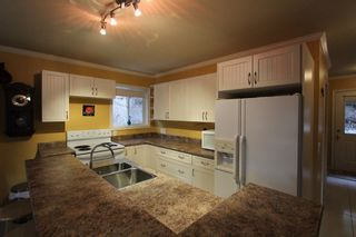 Photo 7: 2393 Vickers Trail in Anglemont: North Shuswap House for sale (Shuswap)  : MLS®# 10078378