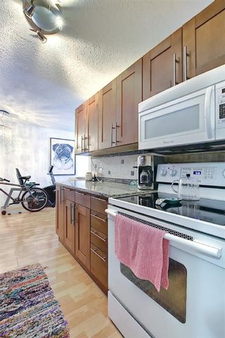 Photo 13: 3505 43 Street SW in Calgary: Glenbrook Row/Townhouse for sale : MLS®# A1122477