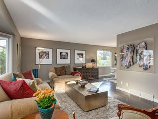 Photo 4: 536 BROOKMERE Crescent SW in Calgary: Braeside Detached for sale : MLS®# C4221954