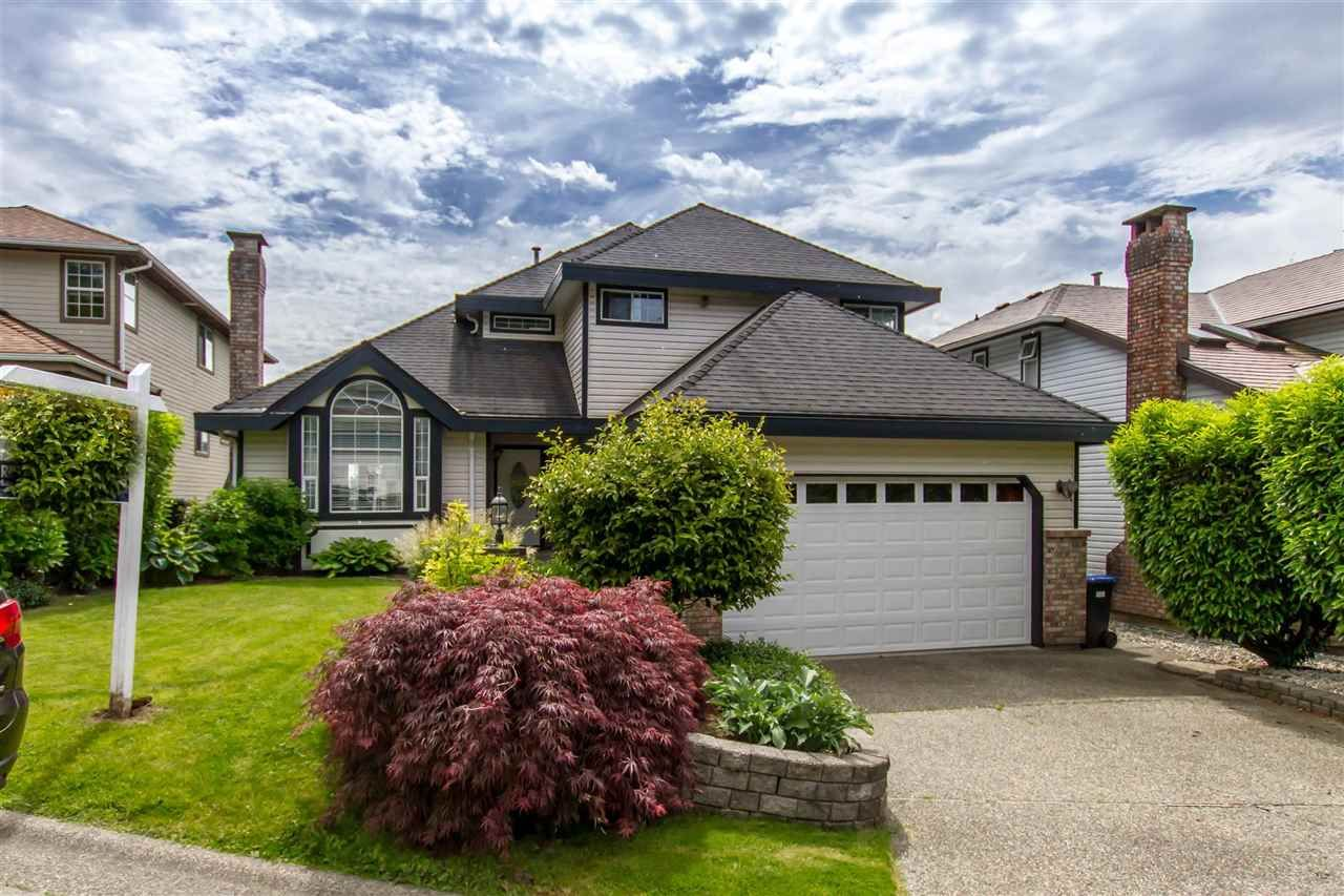 Main Photo: 16 PARKWOOD PLACE in Port Moody: Heritage Mountain House for sale : MLS®# R2460128