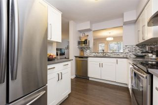 """Photo 4: 118 737 HAMILTON Street in New Westminster: Uptown NW Condo for sale in """"THE COURTYARDS"""" : MLS®# R2209742"""
