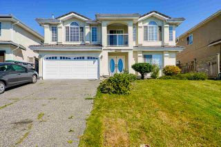 Photo 1: 8560 149A Street in Surrey: Bear Creek Green Timbers House for sale : MLS®# R2491981