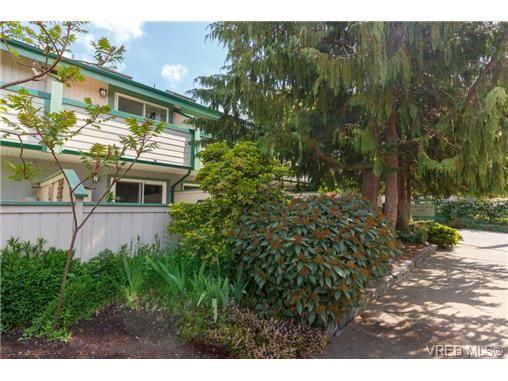 Photo 15: Photos: 9 130 Niagara St in VICTORIA: Vi James Bay Row/Townhouse for sale (Victoria)  : MLS®# 729470