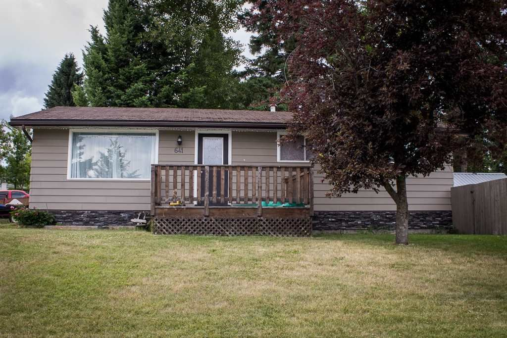 "Photo 1: Photos: 641 PIERCE Street in Quesnel: Quesnel - Town House for sale in ""UPLANDS"" (Quesnel (Zone 28))  : MLS®# R2383878"
