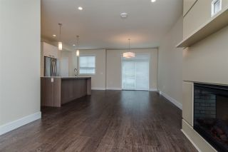 """Photo 9: 17 1968 N PARALLEL Road in Abbotsford: Abbotsford East Townhouse for sale in """"Parallel North"""" : MLS®# R2173432"""