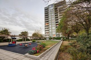 """Photo 46: 303 39 SIXTH Street in New Westminster: Downtown NW Condo for sale in """"Quantum By Bosa"""" : MLS®# V1135585"""