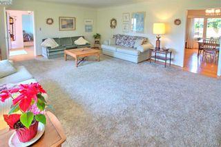 Photo 9: 3016 Henderson Rd in VICTORIA: OB Henderson House for sale (Oak Bay)  : MLS®# 840987