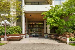 Photo 2: 910 4300 MAYBERRY Street in Burnaby: Metrotown Condo for sale (Burnaby South)  : MLS®# R2365202