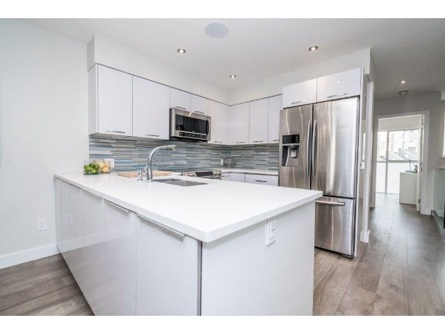 Photo 7: Photos: 3330 COBBLESTONE AV in VANCOUVER: Champlain Heights Townhouse for sale (Vancouver East)  : MLS®# R2195762