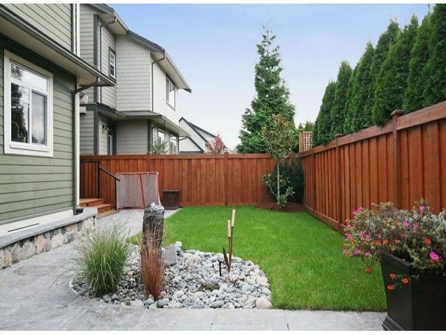 Photo 13: Photos: 17290 1ST AV in Surrey: Pacific Douglas House for sale (South Surrey White Rock)  : MLS®# F1424091