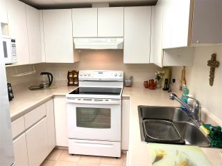 """Photo 14: 1101 10899 UNIVERSITY Drive in Surrey: Whalley Condo for sale in """"THE OBSERVATORY"""" (North Surrey)  : MLS®# R2570183"""